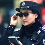 La policía china usa anteojos inteligentes para identificar criminales