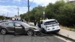 Un Tesla que se conducía solo chocó contra un móvil policial estacionado