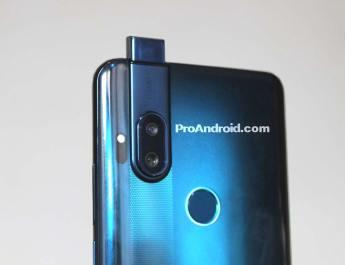 Motorola One camara pop-up