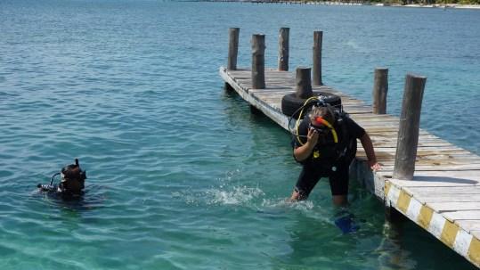 Mexiko, Isla Mujeres: Der erste Schwung in voller Montur vom Dock
