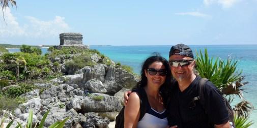 Mexiko, Maya Ruinen von Tulum: Das obligatorische Selfie vor dem berühmten Postkartenmotiv