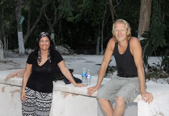 Mexiko, Tulum, Cenoten Tauchen: Otti und unser Dive Instructor vor der Cenote Dos Ojos