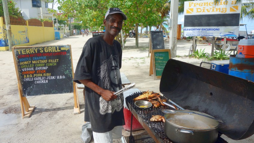 Belize, Caye Caulker: Essen gibt es an jeder Ecke. Terrier´s Grill ist sogar auf TripAdvisor bewertet