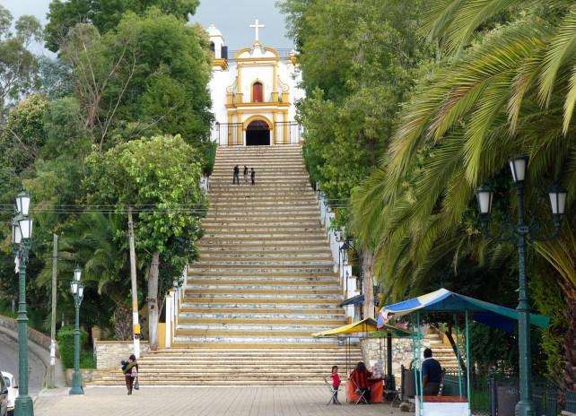 San Cristobal, 79 Stufen führen hinauf zur Inglesia de Guadalupe