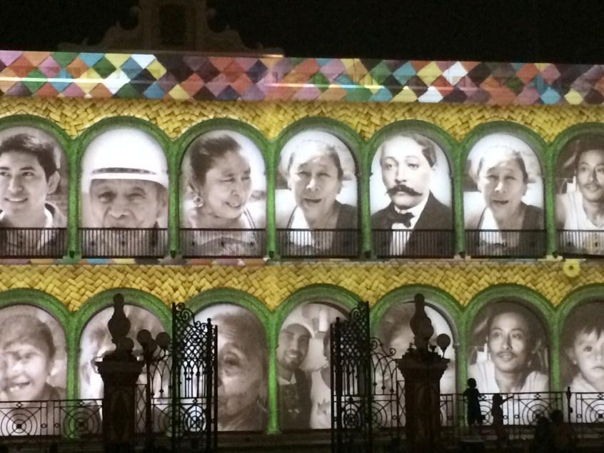 Campeche: Multimedia Show an der Fassade der Bibiliothek