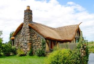 Hobbiton: Die Hobbit Mühle am See gegenüber vom Green Dragon