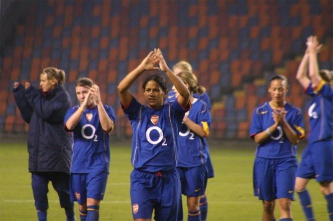 050407_DIF_Arsenalladies09