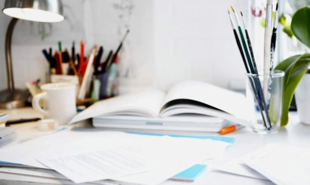 Struggling to Stay Organised? Here's How to Deal with Paper on Your Desk