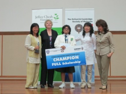 the_finals_of_the_oxbridge_malaysia_public_speaking_and_essay_competition_4_20110704_1722411059