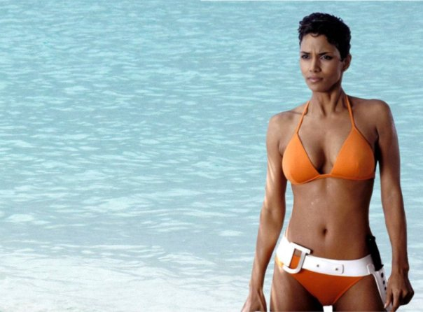 Halle Berry, getting her Crab claws into the sand