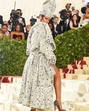 Astrology & Fashion: Papess Rihanna