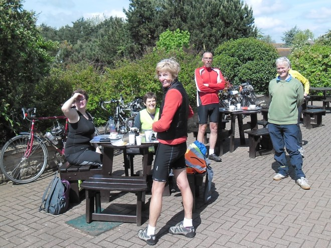 CTC Oxford Ride, 14 June 2015: Millets after coffee