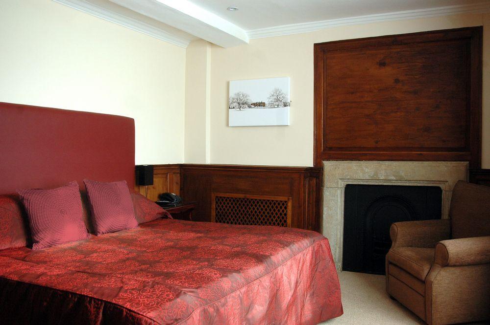 Cartwright Hotel Double Single Room