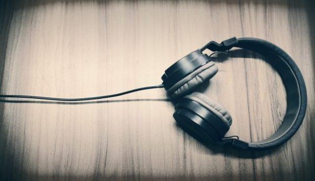sound effects budget headphones over ear wood plastic digital sound design