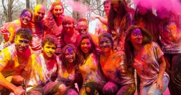 Students-of-Quaid-e-Azam-University-slammed-for-celebrating-Holi01-min-640x336