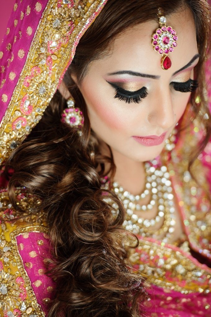 20 most fantastic tips for indian bridal makeup – oyo hotels