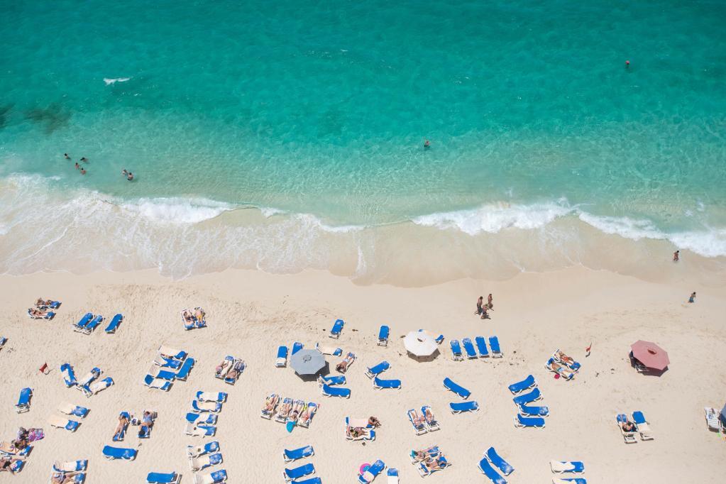 Beach at the Hotel Riu Palace Paradise Island