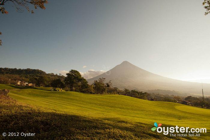 Lindas vistas vulcânicas são abundantes no La Reunion.