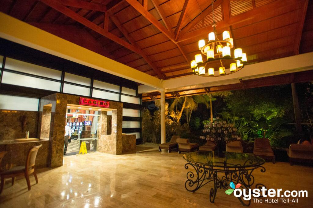 Lobby al Paradisus Punta Cana Resort / Oyster