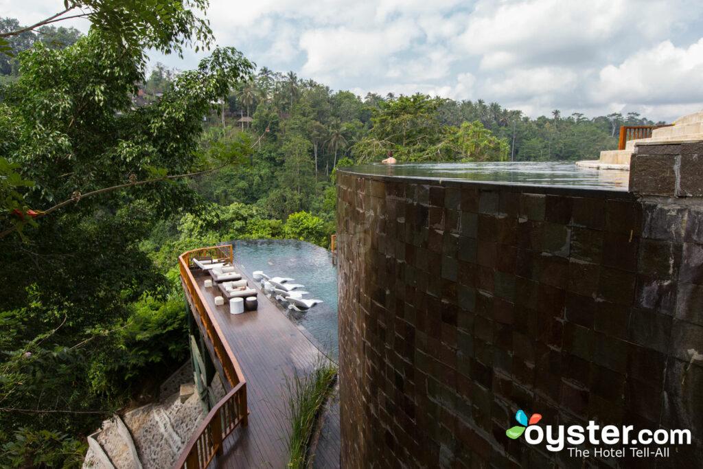 A vista dos jardins suspensos de Bali.