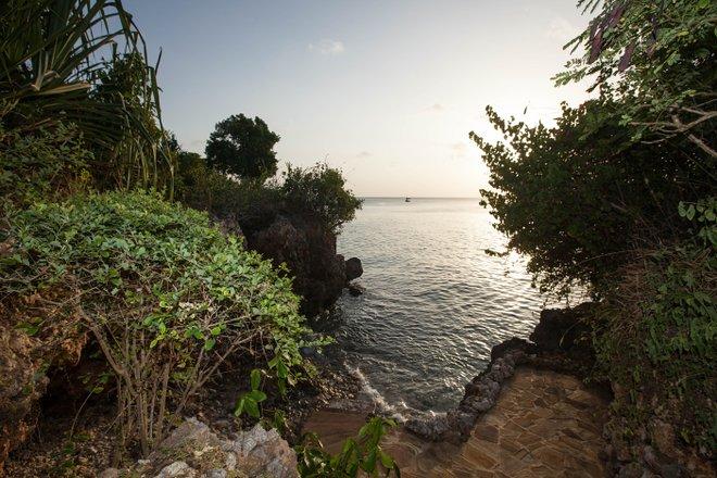 La villa de lujo con piscina privada y playa en el Zanzi Resort / Oyster