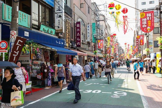 Sugamo-Jizo-compras-Street / Oyster