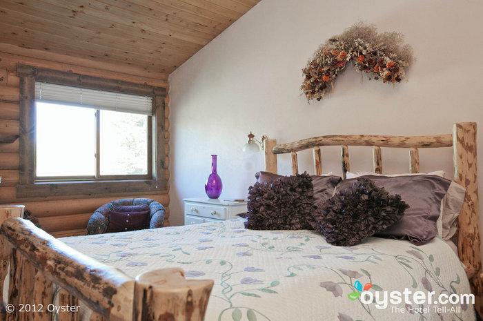Das Rendezvous-Zimmer im Sassy Moose Inn wird Ihnen während Ihres Aufenthaltes fast zu schwer fallen.