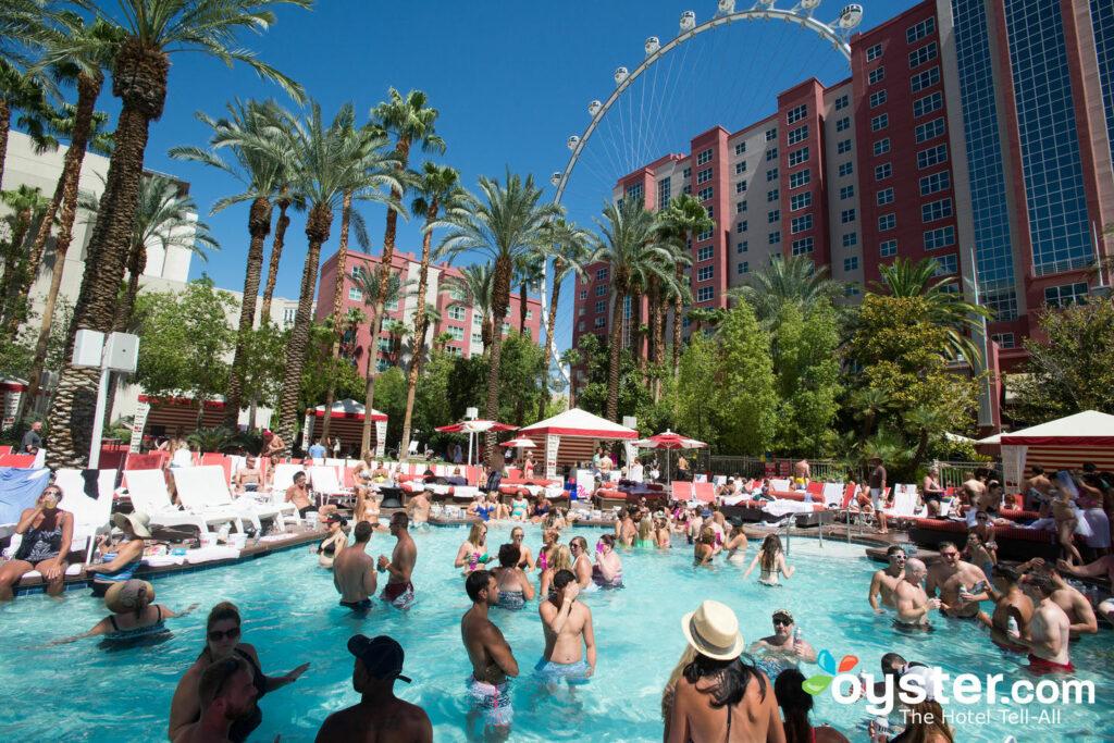 El club de día GO Pool en el Flamingo Las Vegas Hotel & Casino / Oyster