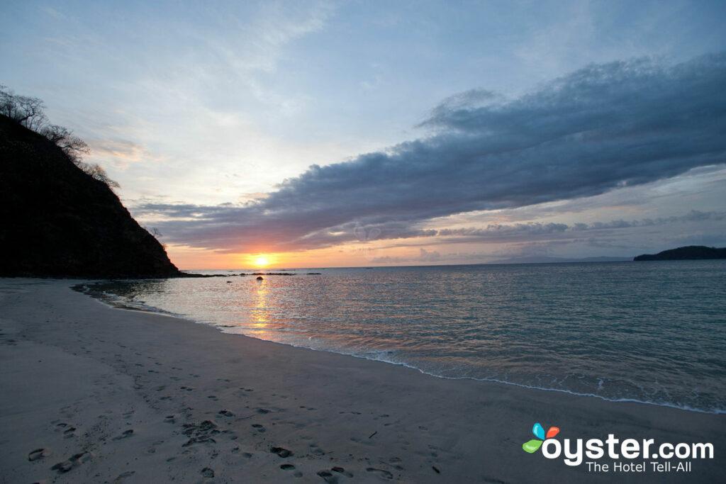 Tramonto a Playa Virador in Costa Rica / Oyster
