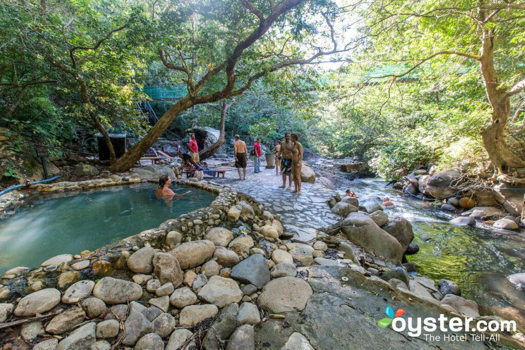 Le sorgenti calde a Hacienda Guachipelin / Oyster