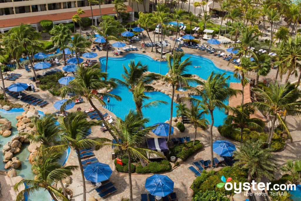 La piscina del Barcelo Aruba / Oyster