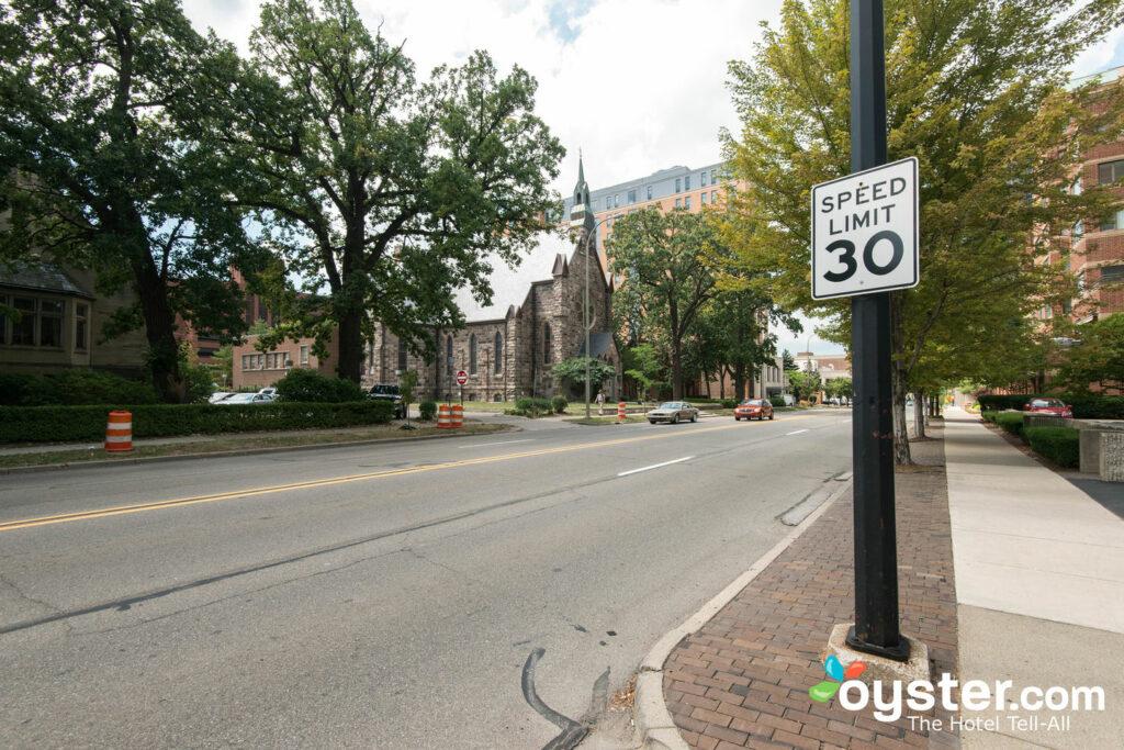 Strada al laureato Ann Arbor / Oyster