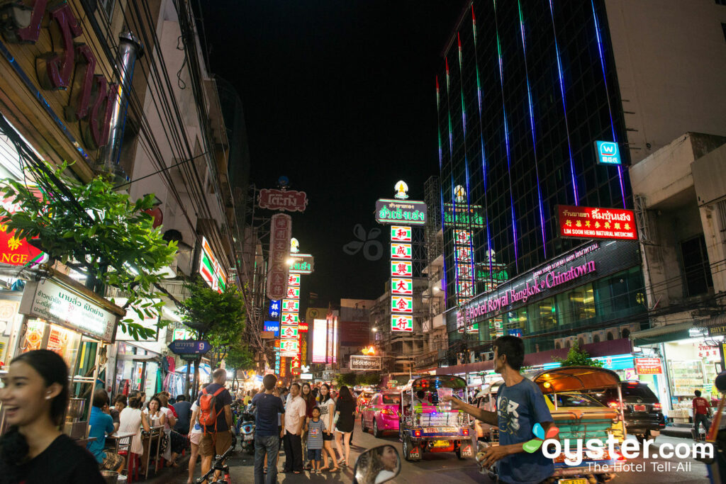 Straßenleben und Straßenessen in Bangkok / Oyster