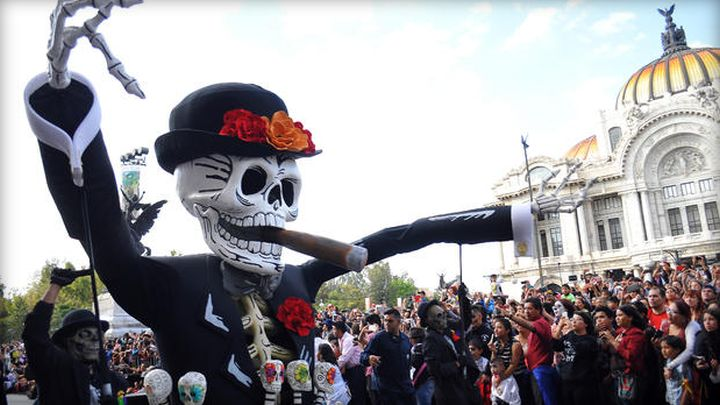 dayofthedead_parade
