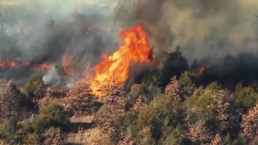 Large Wildfire Erupts in Central Oklahoma_56810118