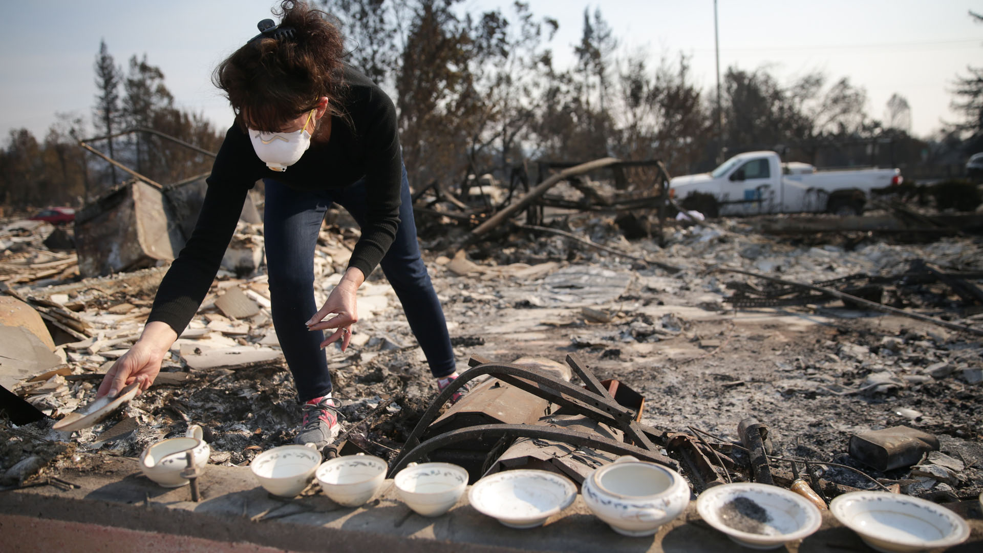 Karen Curzon salvages her grandmother's China set, Santa Rosa, California, wildfires, fire71579294-159532