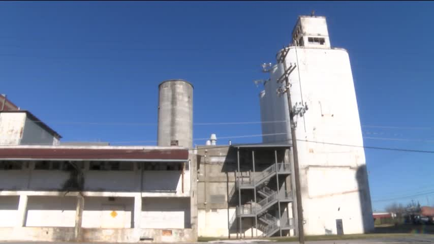 City Hopes to Clean up Toxic Sites for Reuse_10545996