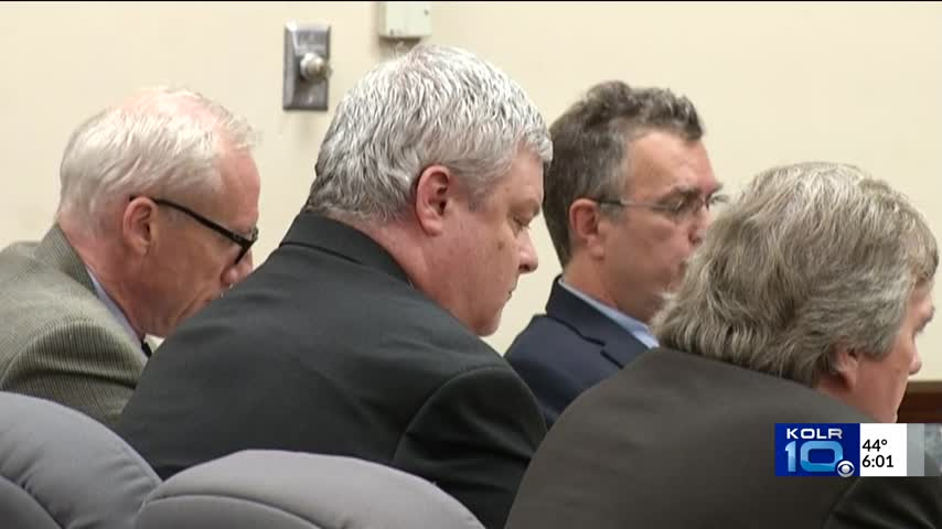 Hung Jury in Craig Wood Trial at 6 p-m-_13684731