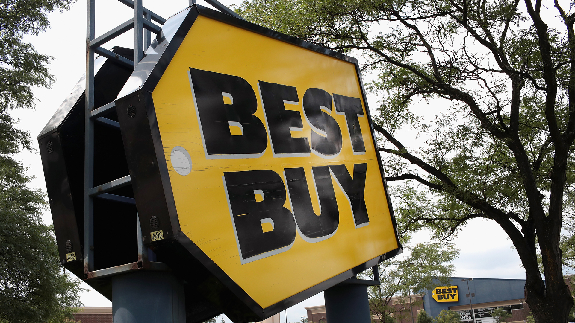 Best Buy store sign-159532.jpg84292617
