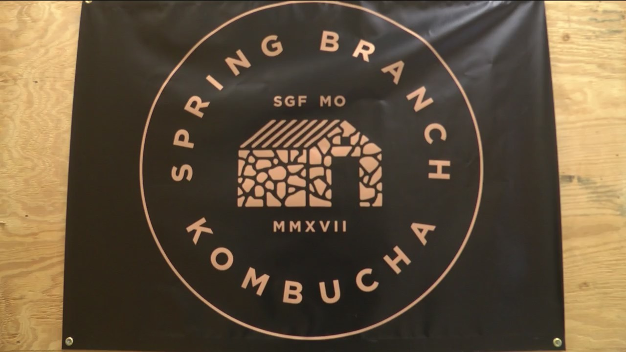 Kombucha_Brewing_in_the_Ozarks_0_20180312115704