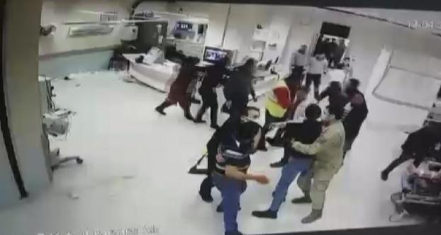Sivas'ta, Hasta yakınları hastaneyi birbirine kattı: 8 gözaltı