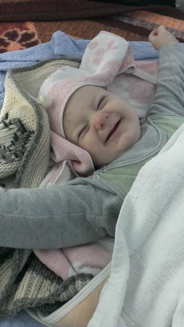 Jutro u šatoru: Mali Gavrilo se budi nasmijan