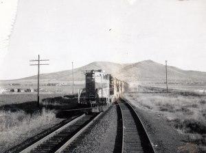GN #704 on a siding at Culver, Oregon