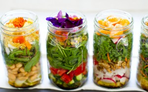 salad-in-a-jar-mason-vegan 3