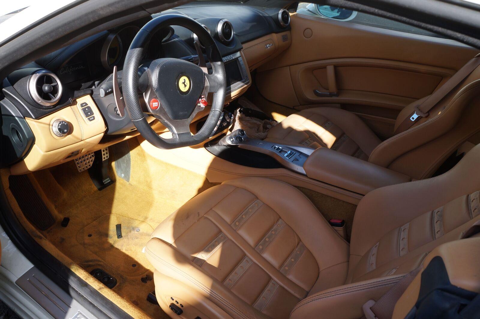 Fuse Box Relay Body Control Module ECU 229377 245788 OEM Ferrari California  2011