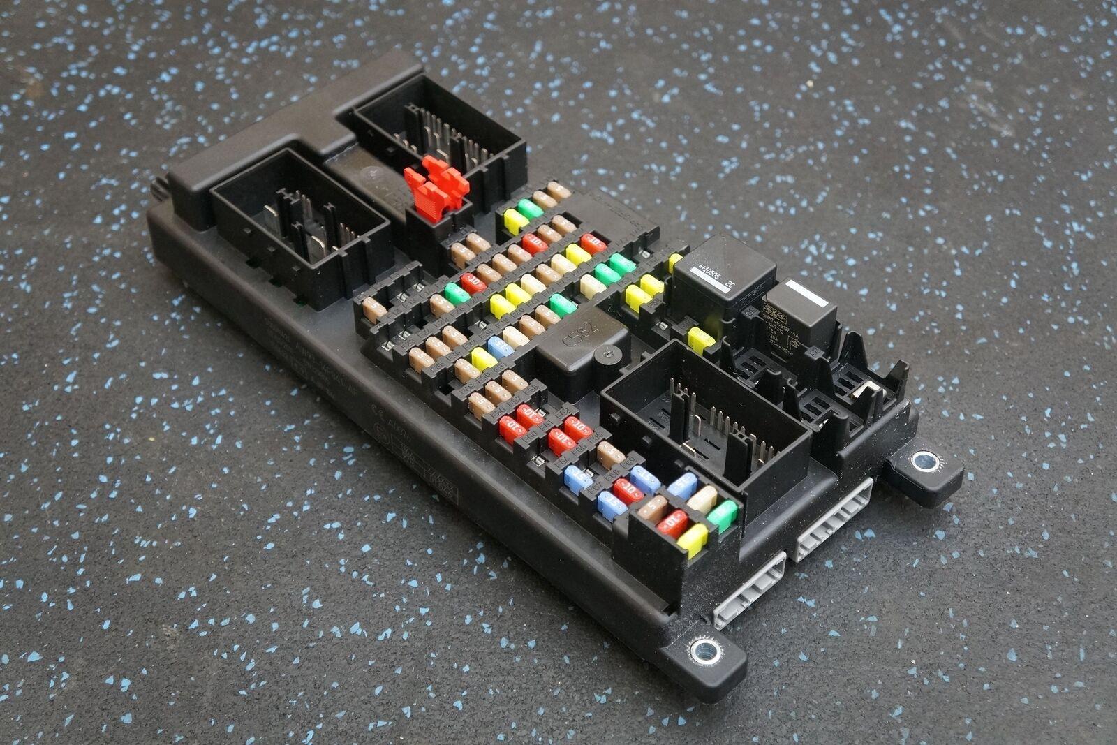 Rear Body Control Module Relay Fuse Box C2d20176 Aw9314f041af Jaguar Xj