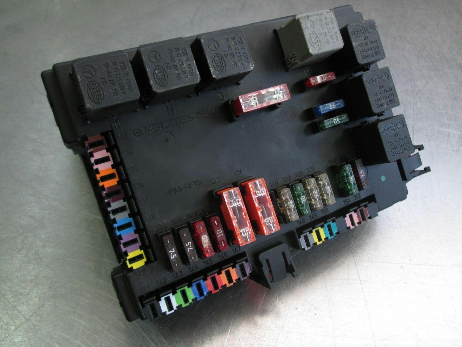 Rear Signal Activation Module Sam Fuse Box 2215404762 Mercedes S550