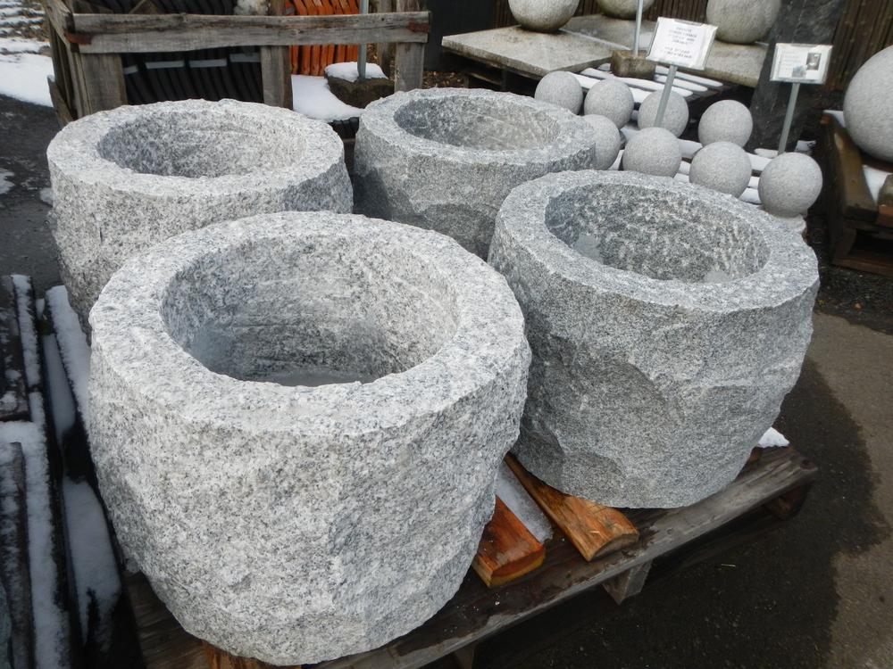 Rough Hewn Granite Basins Japanese Stone Lanterns Amp Basins