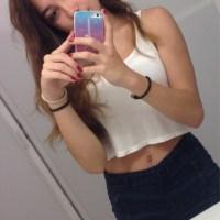 253D-Pack De Alexa Paola Hermosa Jovencita Enseñando Su Vagina Y Sus Ricas Tetas Pequeñas Completamente Desnuda + 7 Videos Masturbándose