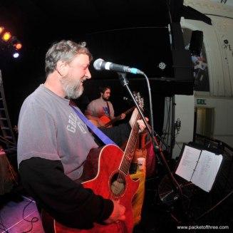 Glenn Tilbrook soundchecks at Colston Hall, Bristol 11 November 2011